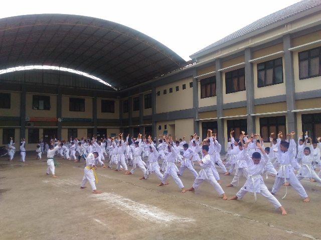 "Ekstrakurikuler Karate ""Boarding Putra"""